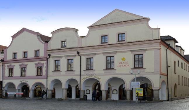 Oprava fasády a renovace oken hotelu Zlatá Hvězda